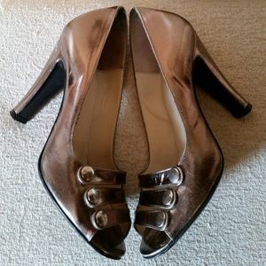 Marc by Marc Jacobs Metallic Silver Pumps